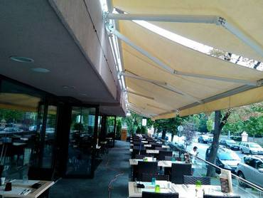 copertine retractabile fara caseta restaurant Osho 1